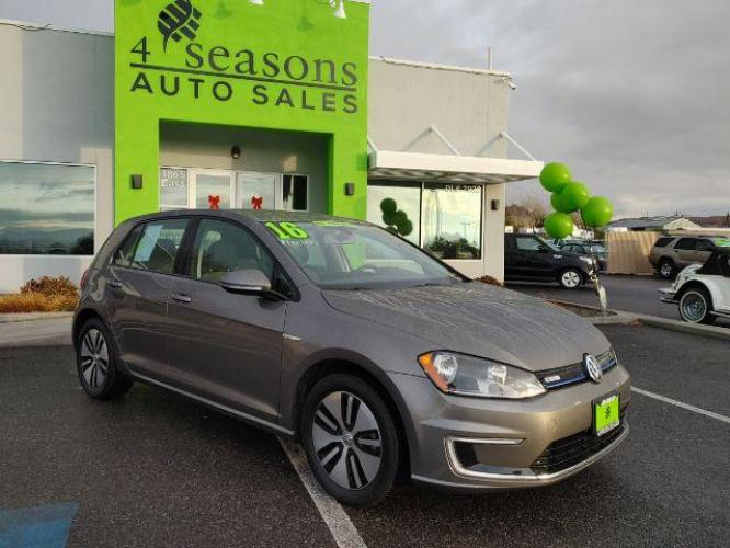 2016 Limestone Grey Metallic Volkswagen e-Golf SE (WVWKP7AUXGW) with an ELECTRIC engine, 1-Speed Automatic transmission, located at 1865 East Red Hills Pkwy, St. George, UT, 84770, (435) 628-0023, 37.120850, -113.543640 - Photo #0
