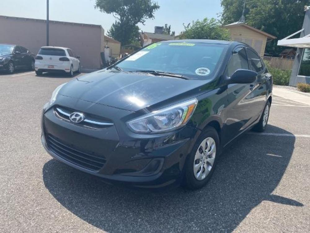 2016 Ultra Black /Gray, cloth Hyundai Accent SE 4-Door 6A (KMHCT4AE7GU) with an 1.6L L4 DOHC 16V engine, 6-Speed Automatic transmission, located at 1865 East Red Hills Pkwy, St. George, UT, 84770, (435) 628-0023, 37.120850, -113.543640 - Photo #2