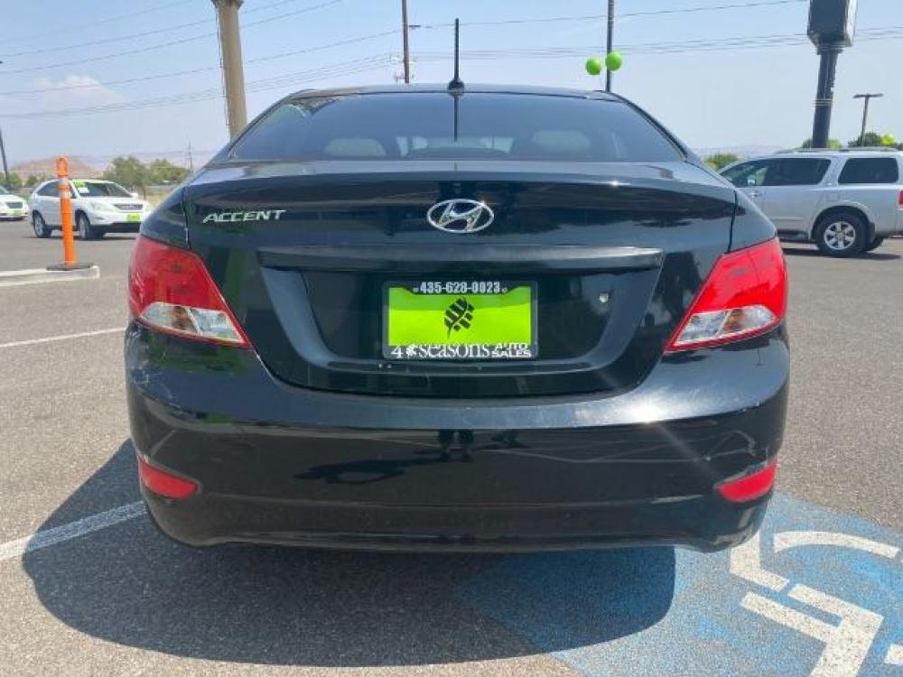 2016 Ultra Black /Gray, cloth Hyundai Accent SE 4-Door 6A (KMHCT4AE7GU) with an 1.6L L4 DOHC 16V engine, 6-Speed Automatic transmission, located at 1865 East Red Hills Pkwy, St. George, UT, 84770, (435) 628-0023, 37.120850, -113.543640 - Photo #5